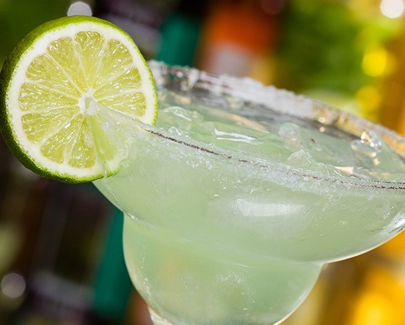 classic margarita with lime garnish