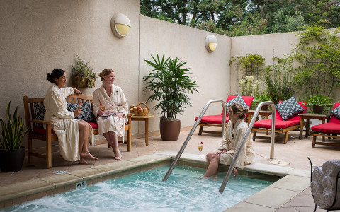 Splurge on a day with your friends, or let loose after a couple rounds of PGA-caliber golf — The Spa at Silverado has you covered.