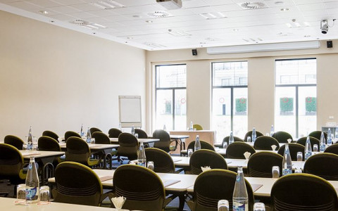Dolce Sitges Parellada Classroom style meeting room
