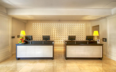 hotels check in and guest services counter