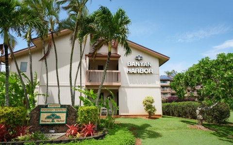 banyan harbor enterance