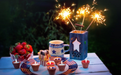 fourth of july decor and sparklers