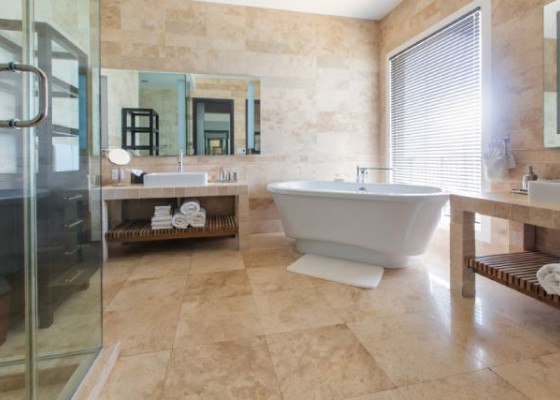 En Suite Shower and Bath