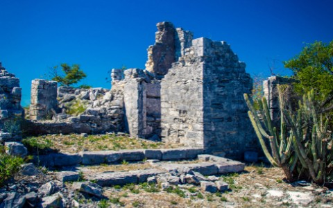 stone ruins in turks and caicos