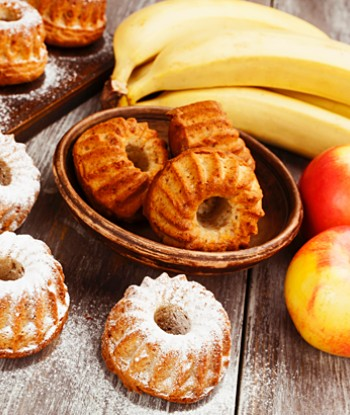 Muffins, apples, and bananas