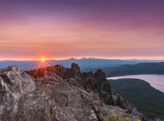 sunset over paulina peak near bend oregon