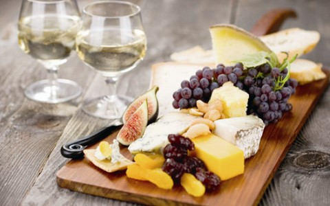 wine and cheese board-5845cac80eecb.jpg