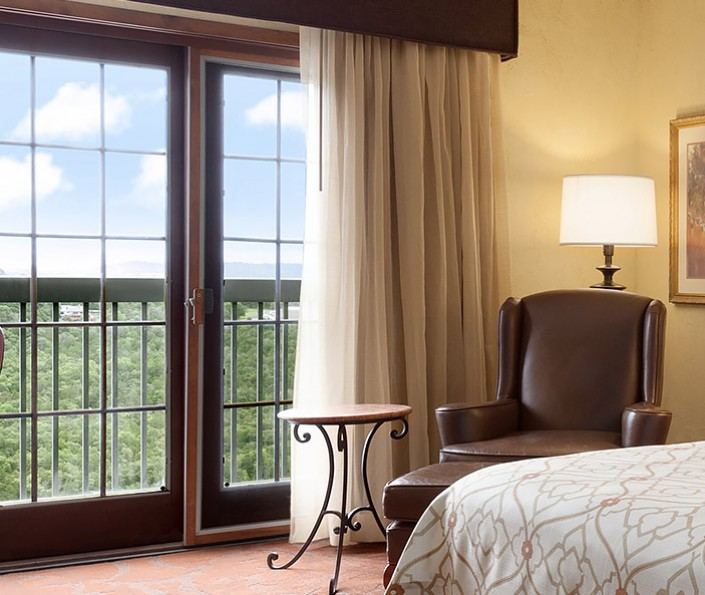 Elegant and Upscale Hotel Rooms in Branson MO