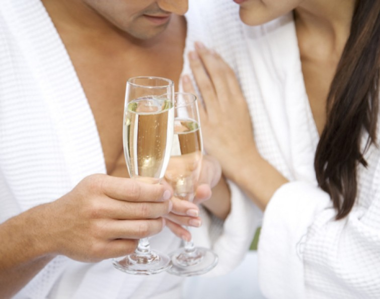 Berries & Bubbly Couple's Retreat <br>Two Hours | $475