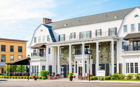 the front of colgate inn