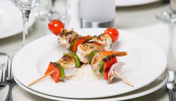 shrimp skewer with vegetables