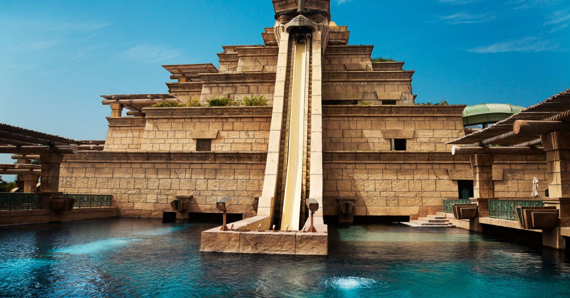 Pyramid structured waterslide in Atlantis