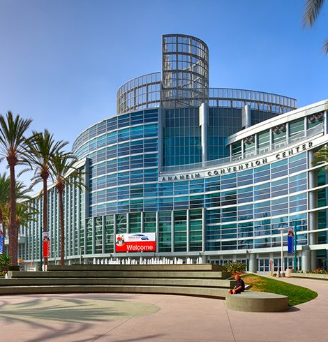 Anaheim Convention Center entrance and fountain
