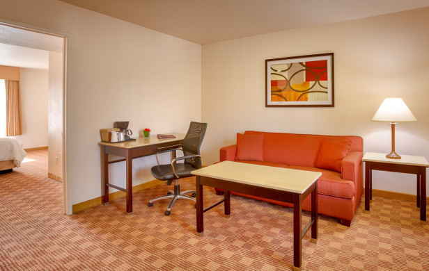Guest suite with living area and separate bedroom?>