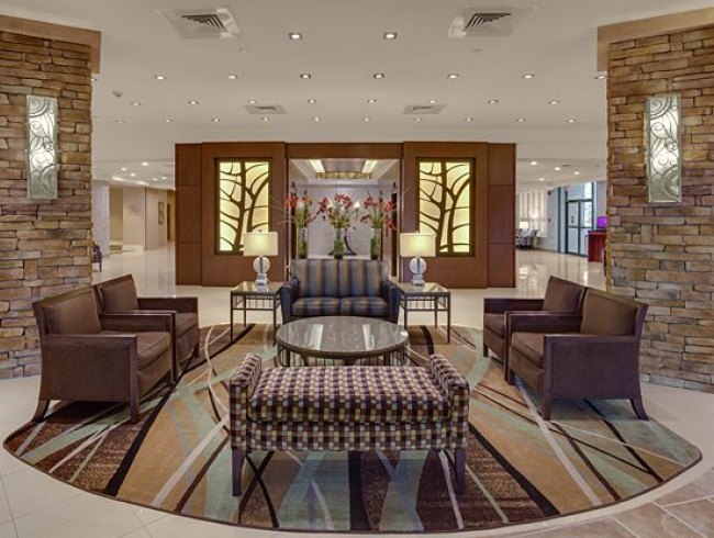 lobby in crowne plaza baton rouge