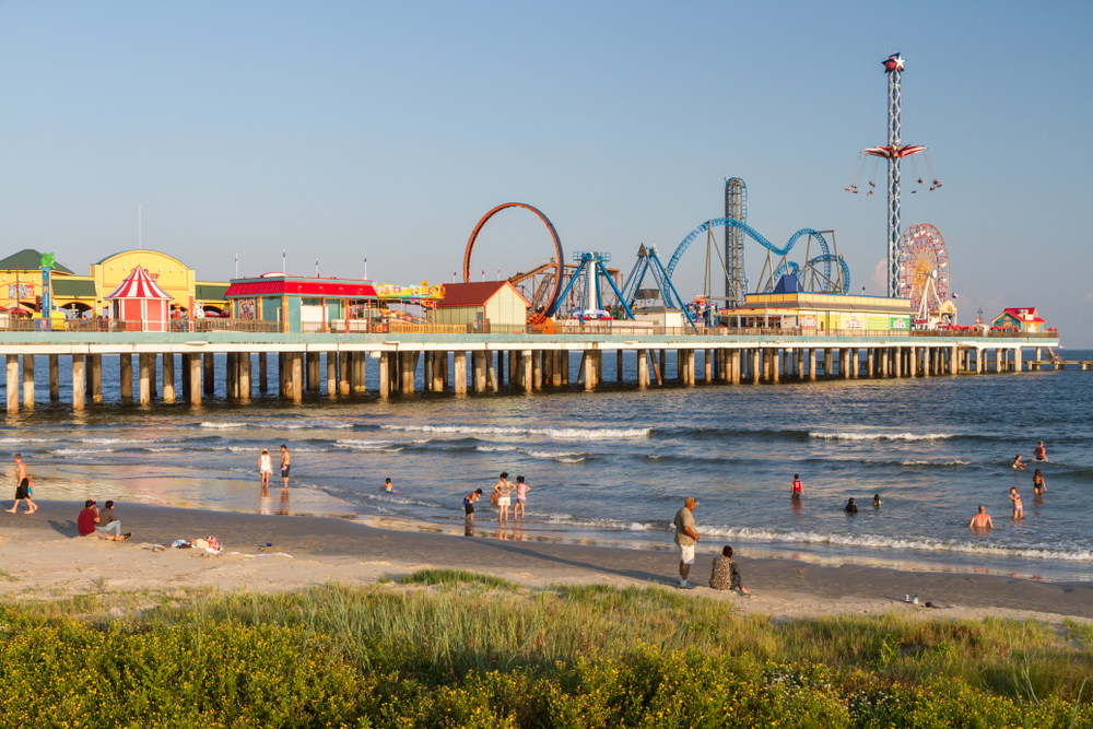 galveston island pleasure pier boardwalk rides
