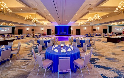 event table and banquet set up at Doubletree By Hilton Orlando Seaworld ballroom