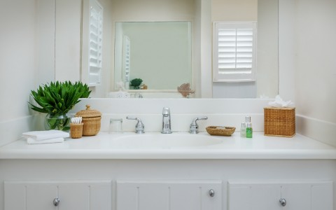 OceanFront_Deluxe_Bathroom