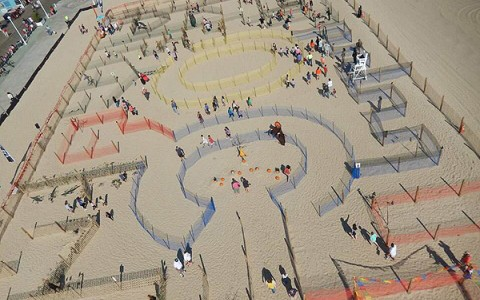 maze made on the beach