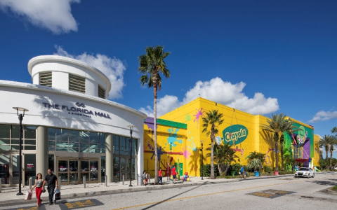 exterior of crayola store at the florida mall
