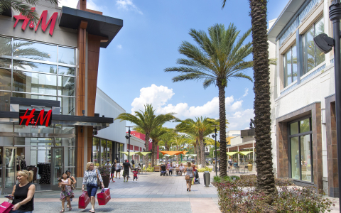 The Florida Mall  Plaza