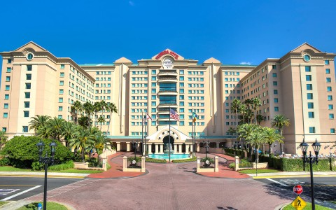 front of the Florida hotel in the daytime with fountain in front