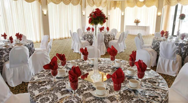 Palm Banquet setup with red napkins