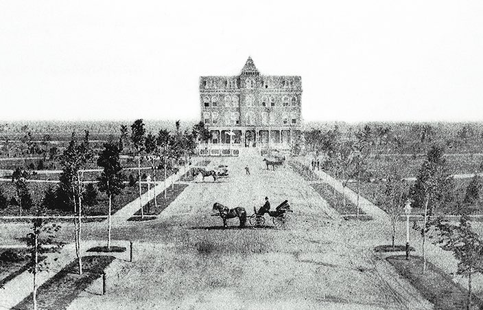 vintage photo of garden city hotel in the late 1800s