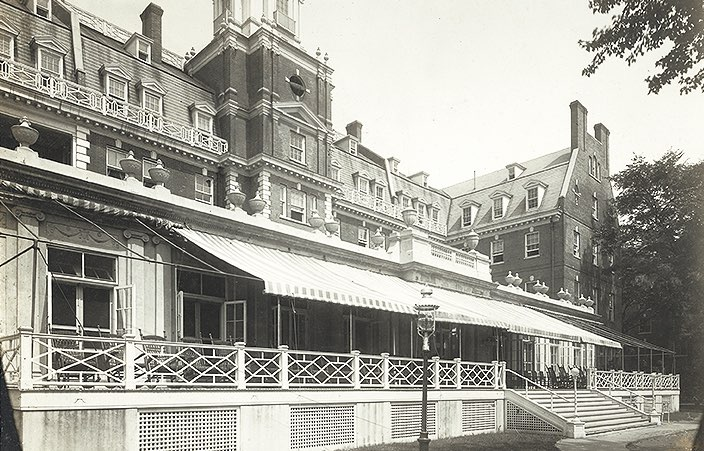 exterior of the garden city hotel in 1960s