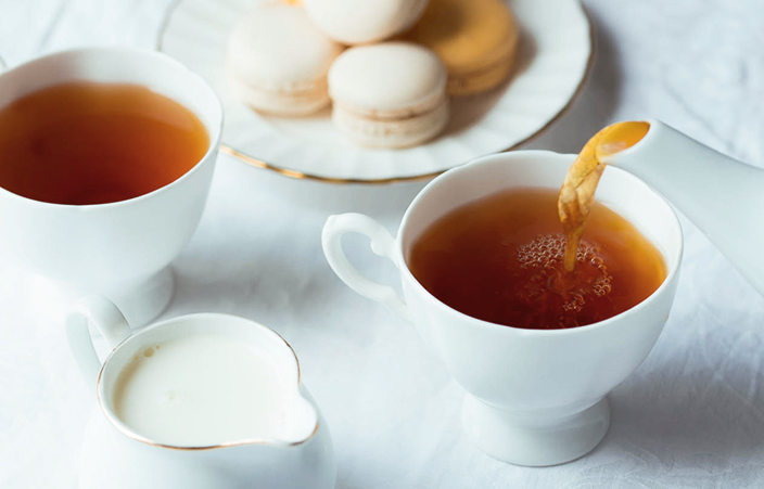 tea and macaroons