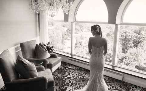 black and white bride photo