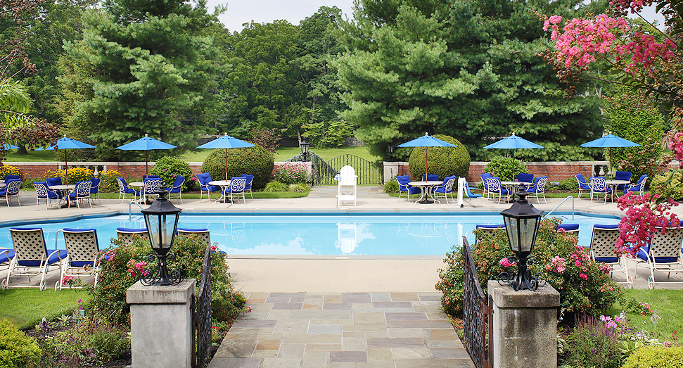 the mansion at glen cove pool and outdoor patio