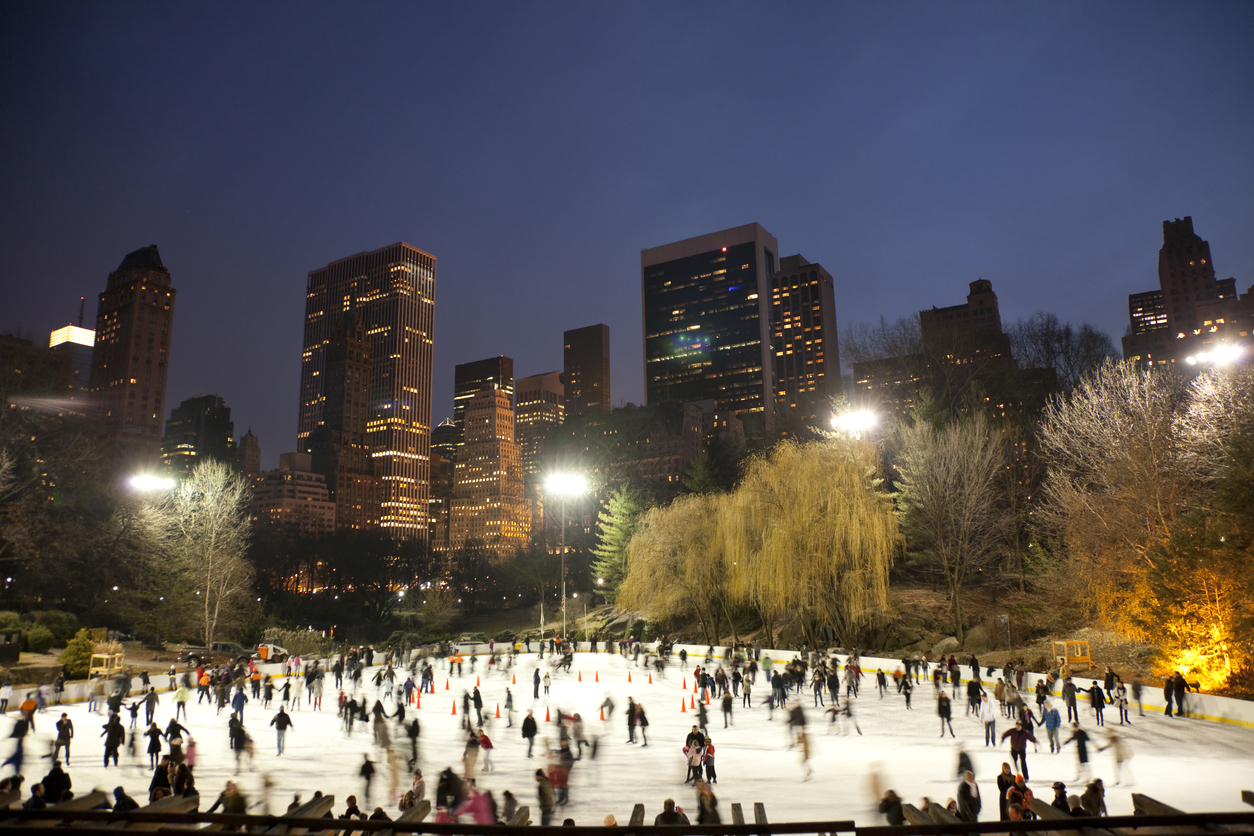 wollman rink in central park at night