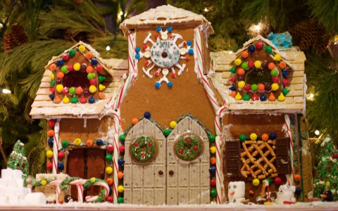Gingerbread Houses at LON's, and Grand Canyon Grandeur