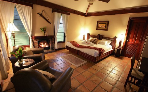 Enjoy the warmth and comfort of The Inn - Estate Room