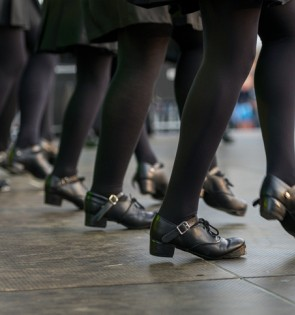 irish folk dancers