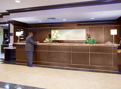 holiday inn little rock front desk
