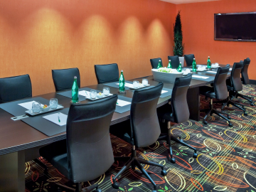 Holiday Inn Tulsa meeting boardroom