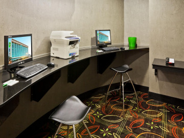 holiday inn tulsa business center