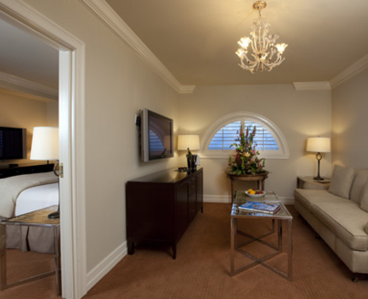 A comfortable suite room at the Hotel Galvez