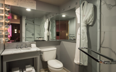 4 Guest Bathroom