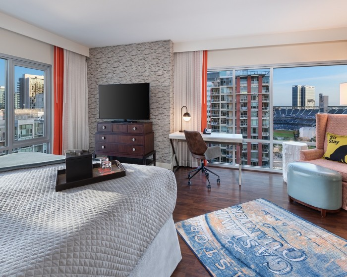 corner suite with city view