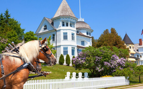 mackinac island victorian cottage