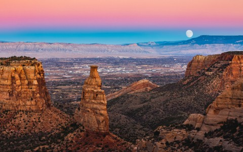 rocks and canyons during pink and blue sunset