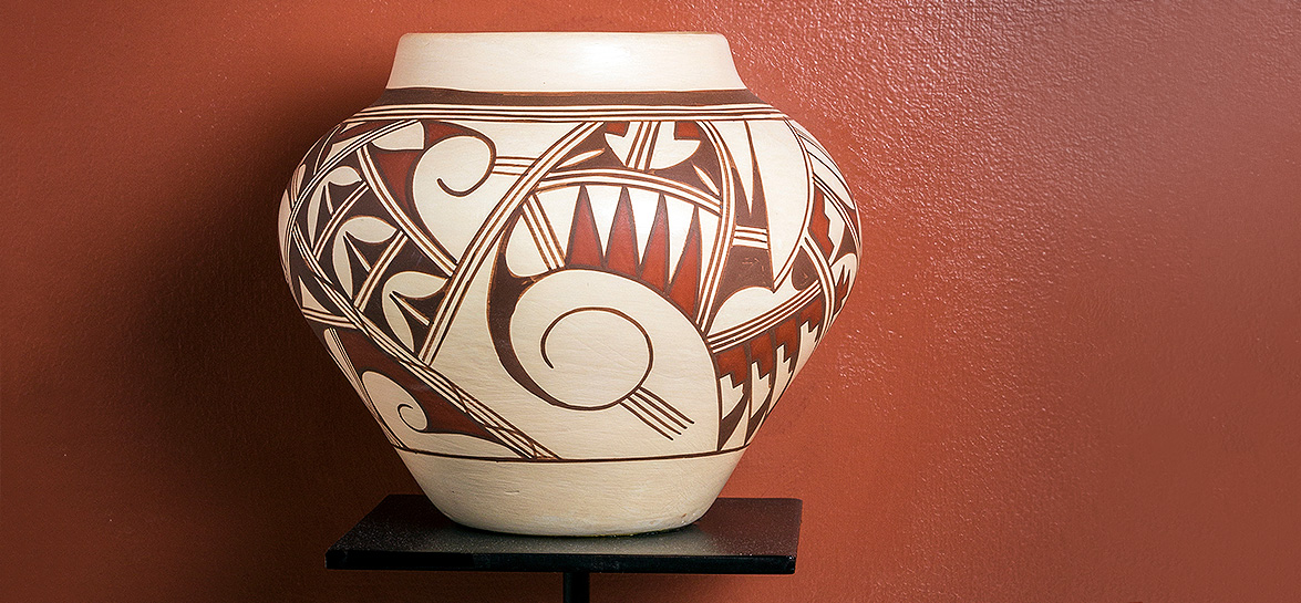 sculpture of a pot
