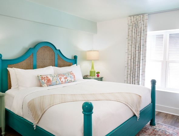 teal bed in king suite