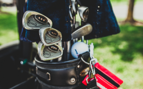 A Golf Caddy Full of Opportunities on the Golf Course