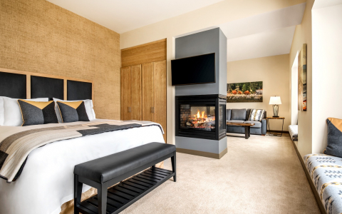 king bed suite with fireplace