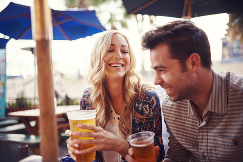 couple drinking beer together