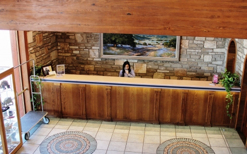 Front desk at Inn of the Hills Hotel & Conference Center